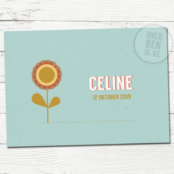 retro geboortekaartje met bloem op kraftpapier